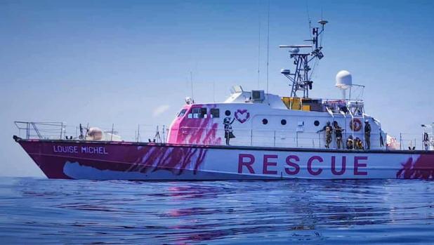 El artista Banksy financia y decora un barco para rescatar migrantes y refugiados en el Mediterráneo