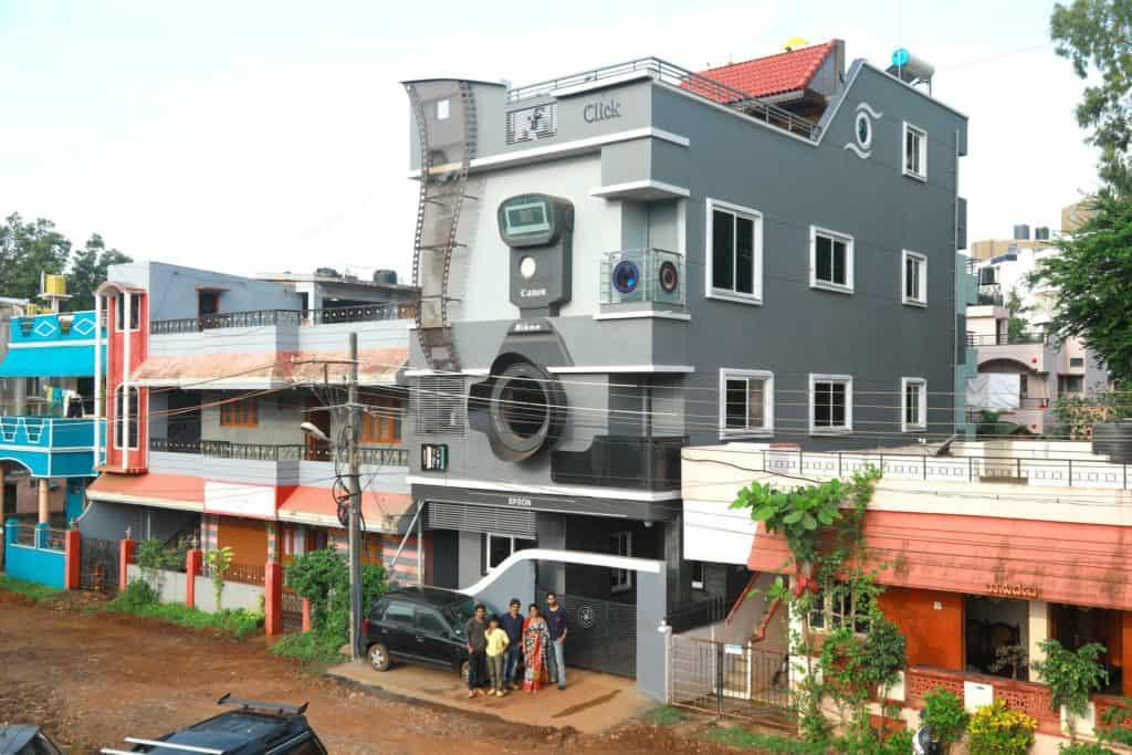 India: un fotógrafo profesional se construyó una casa que se ve igual a una cámara de fotos