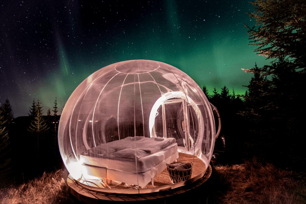Islandia: un hotel ofrece la posibilidad de dormir en burbujas transparentes rodeadas de naturaleza
