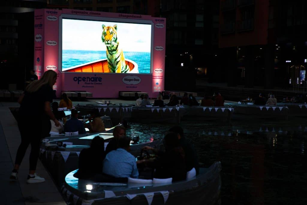 Imagen Float In Cinema 4