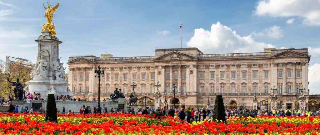 El Palacio de Buckingham abrirá sus puertas para que visitantes disfruten de picnics públicos este verano