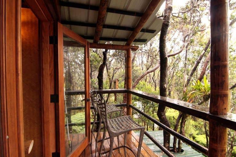 Hawái: es posible alquilar una casa del árbol para pasar tus vacaciones cerca de un volcán