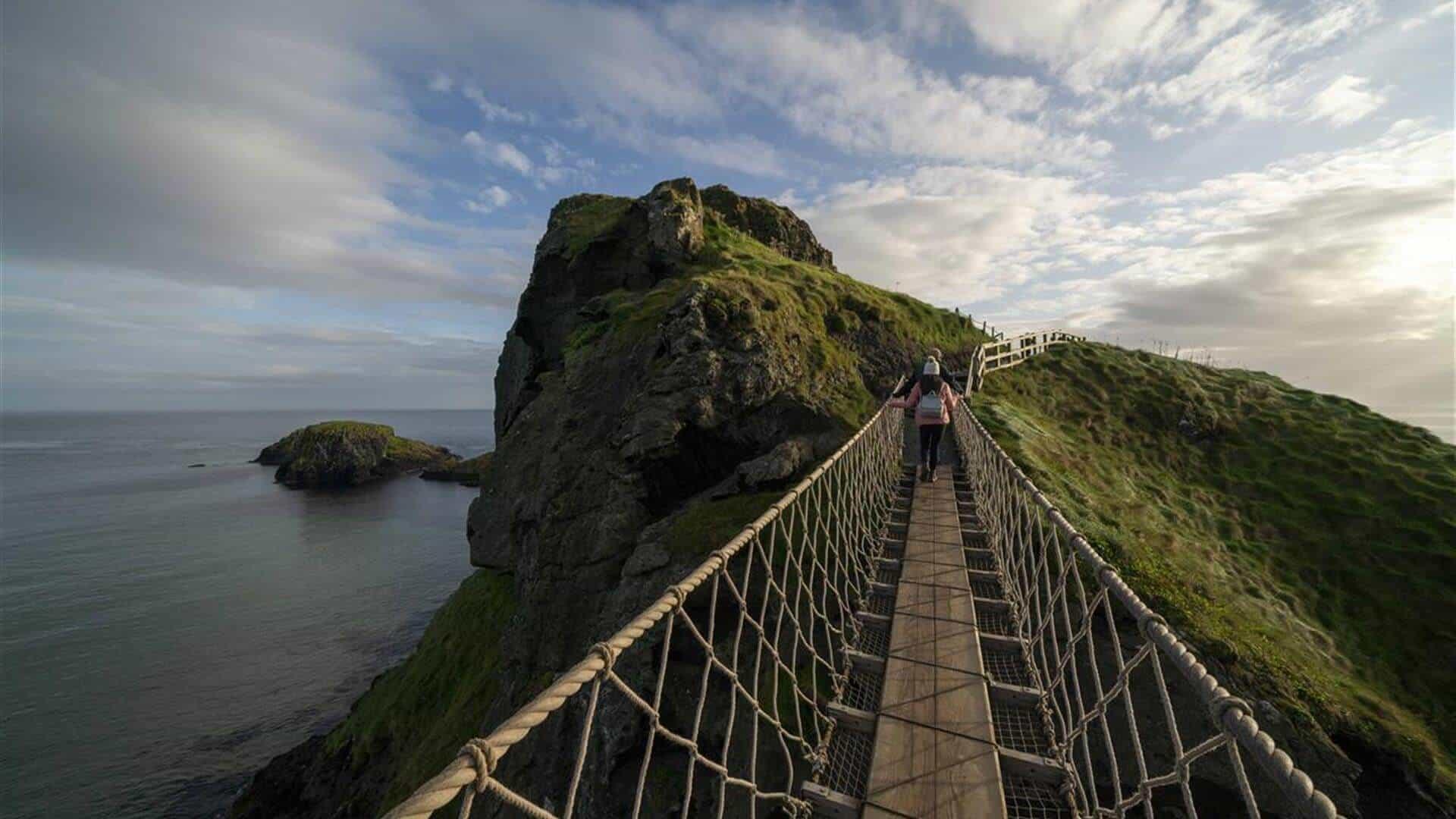 Puente de Cuerdas Carrick-e-redes en Irlanda