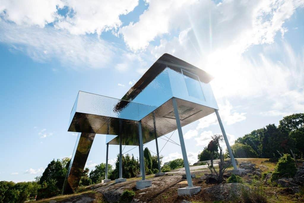 Suecia: este hotel cuenta con una casa con suelo transparente para poder observar animales salvajes