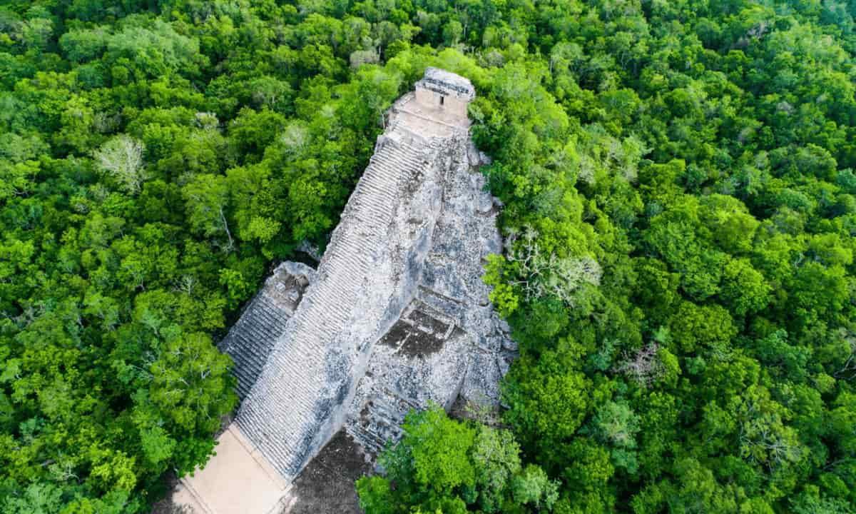 Yacimiento arqueológico Cobá