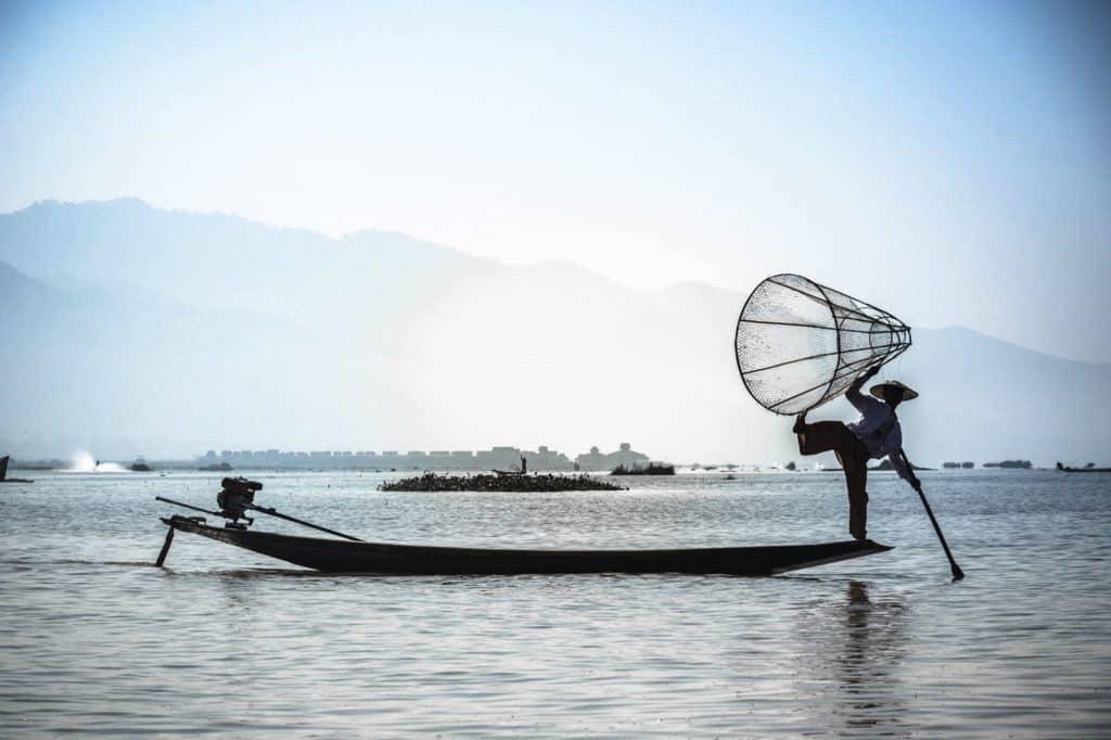 myanmar pescador