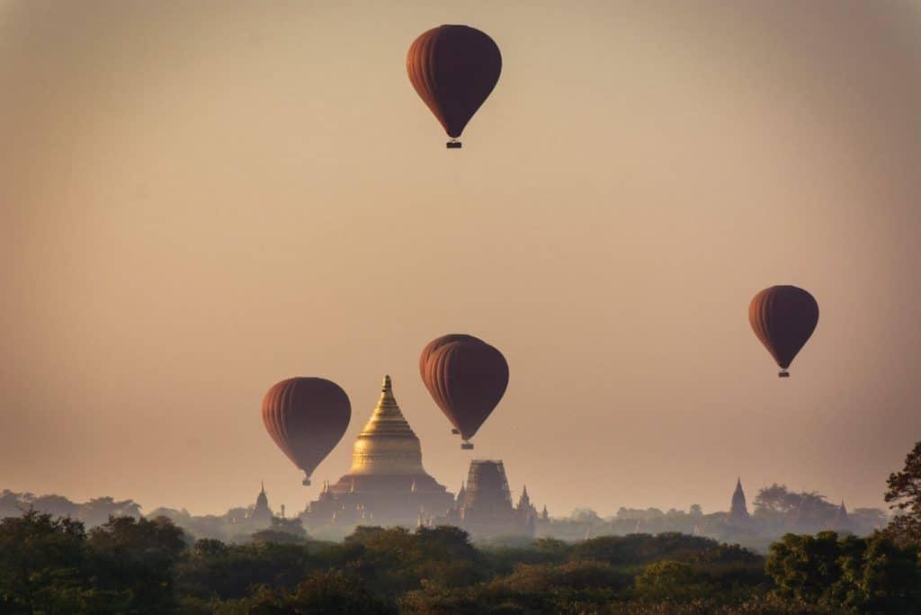 myanmar globos templos