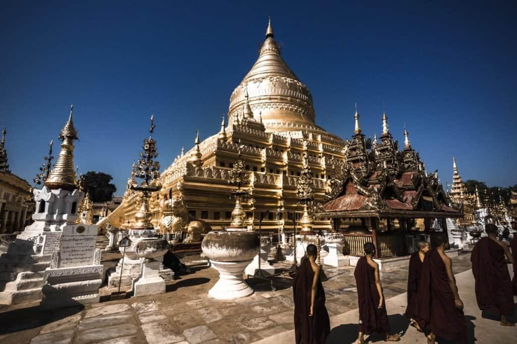 templos y monjes myanmar