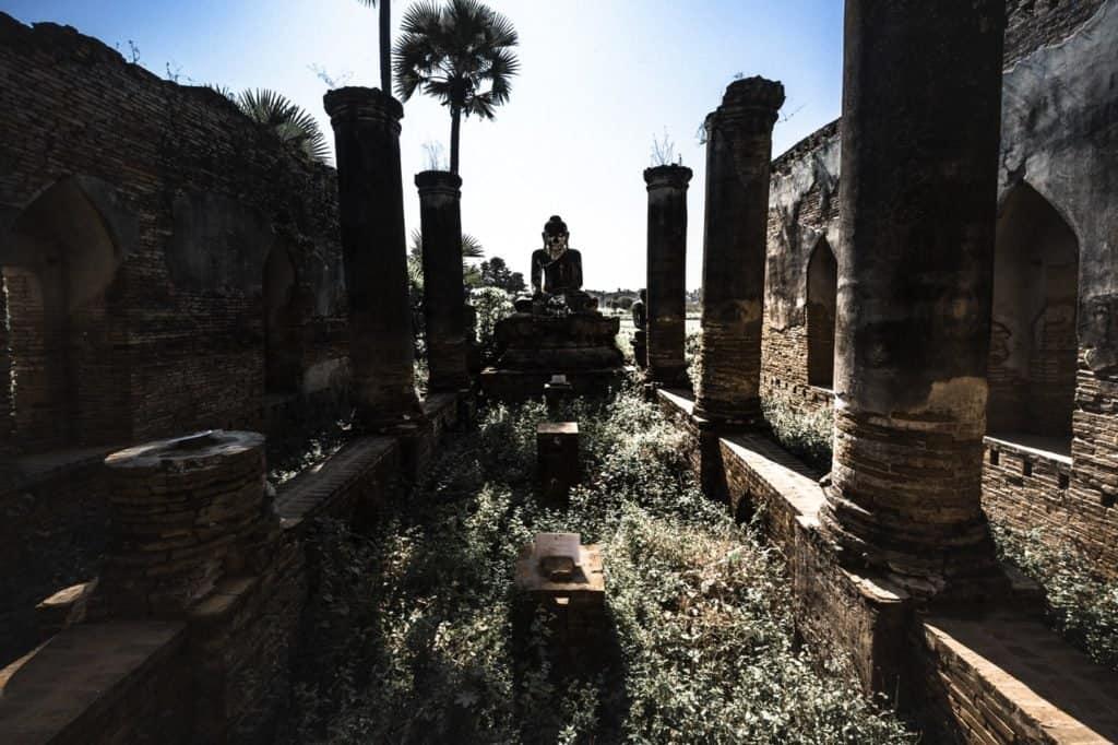 silueta templo myanmar