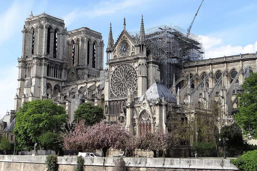 Ya se puede visitar nuevamente la cripta de Notre Dame y cuenta con una nueva exhibición
