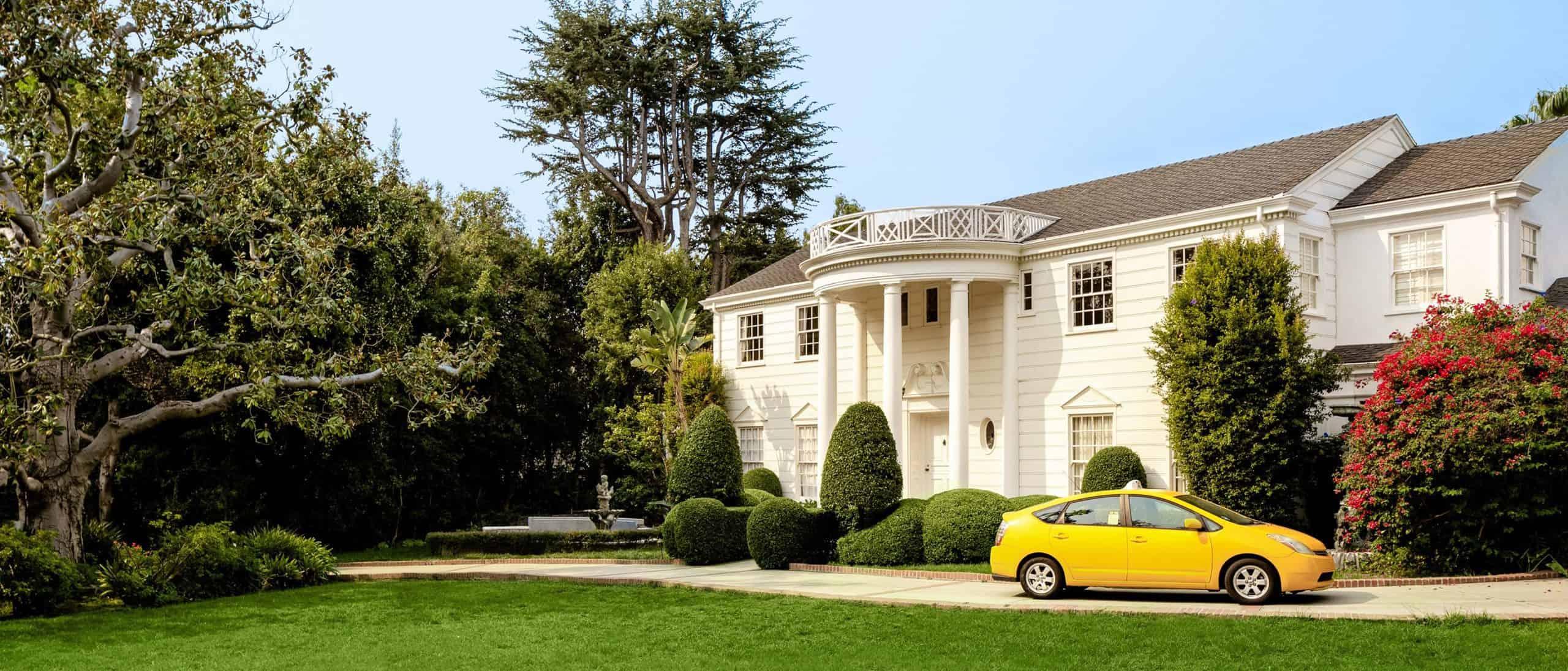 Es posible alquilar la mansión de El príncipe de Bel-Air en Airbnb, aunque solo por tiempo limitado
