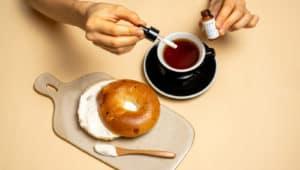 Abrió en Hong Kong el primer café en ofrecer tragos y comida con cannabinoide