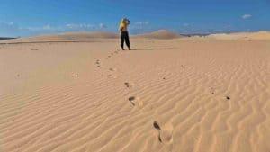 Desierto de dunas blancas de Mui Ne en Vietnam
