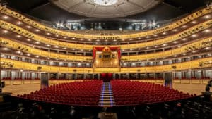 España: suspenden una función en el Teatro Real porque no había distanciamiento social y el público se quejó