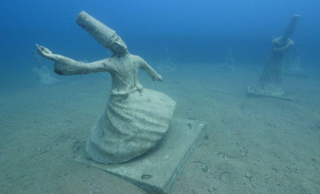Francia: Tres proyectos de esculturas acuáticas se sumergirán en la costa este otoño y resultarán ideales para aventurarse bajo el mar