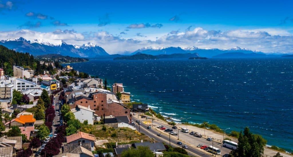 """San Carlos de Bariloche podría volver a recibir turistas a partir de octubre en un intento de """"prueba piloto"""" antes de la reanudación de vuelos de cabotaje"""