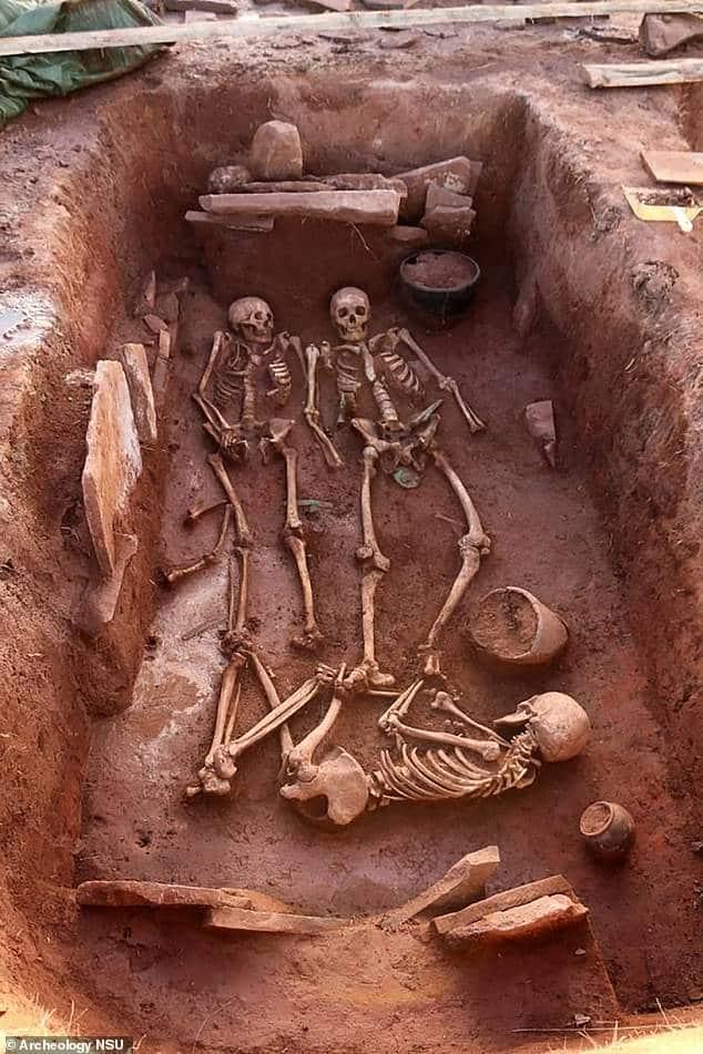Siberia: encuentran una sepultura con restos de una pareja que murió hace 2500 años