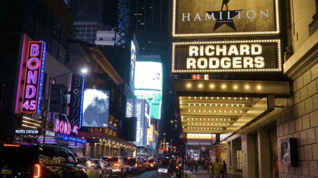 Oficial: Broadway extiende la suspensión de espectáculos por lo menos hasta mayo de 2021