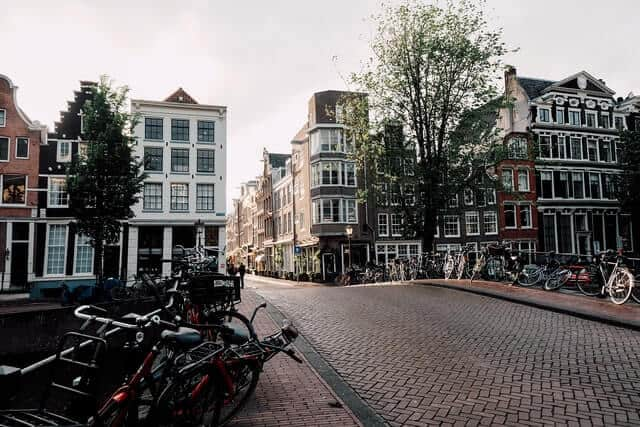 7 tours alternativos de Ámsterdam