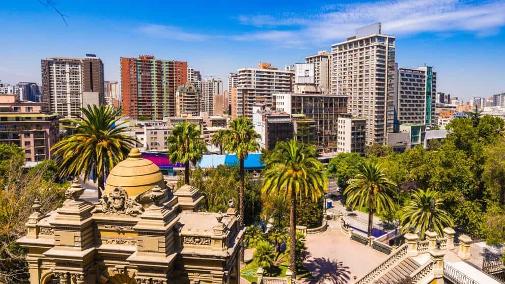 Chile habilita viajes turísticos entre comunas y comienza a diseñar un plan para abrir fronteras a viajeros extranjeros