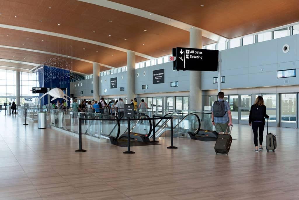El Aeropuerto Internacional de Tampa ofrecerá pruebas de COVID-19 a pasajeros que viajen hacia y desde Florida