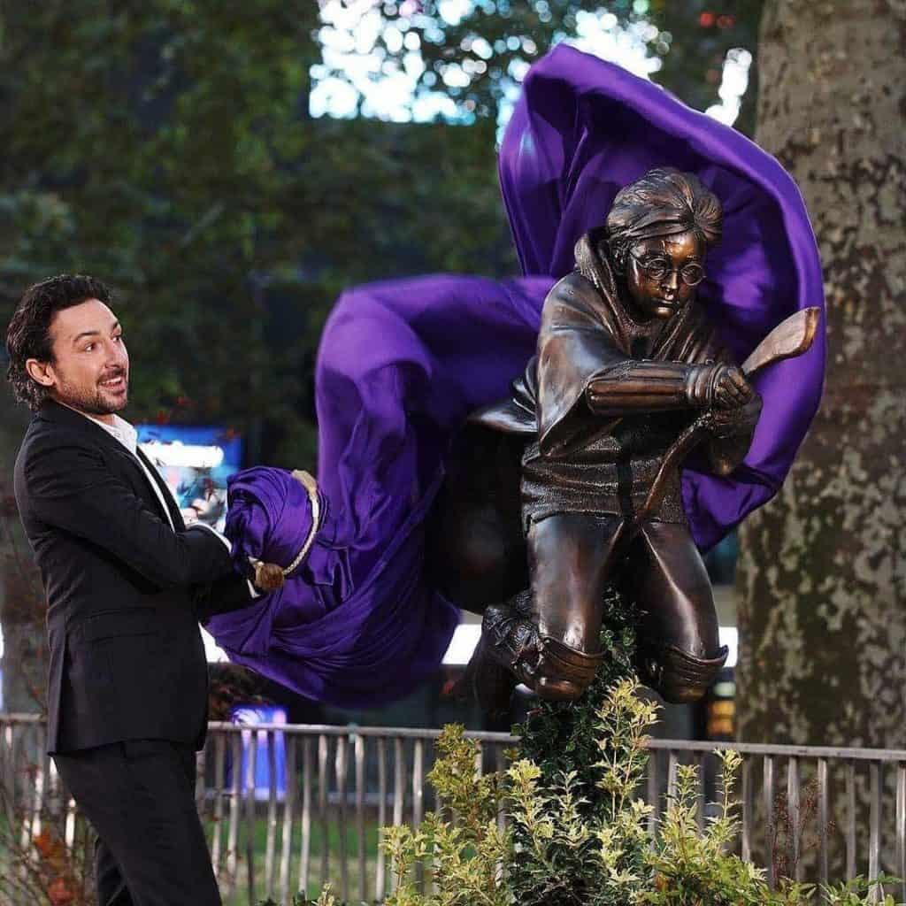 Harry Potter goza de una nueva estatua en su honor en el centro de Londres