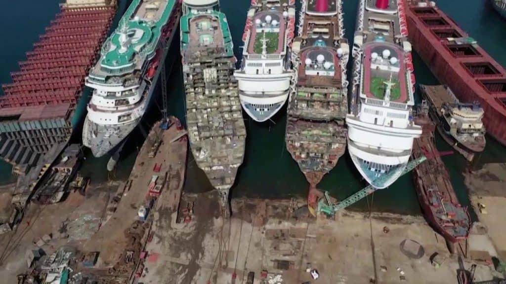 Turquía: Este video muestra un impactante cementerio de cruceros como consecuencia del impasse de viajes a causa del COVID-19