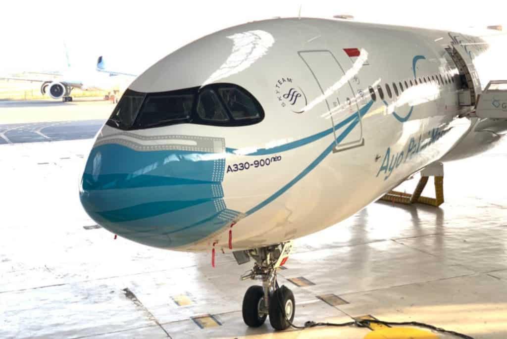 Indonesia: esta aerolínea pintó barbijos en sus aviones como apoyo a la iniciativa del gobierno para utilizar mascarillas