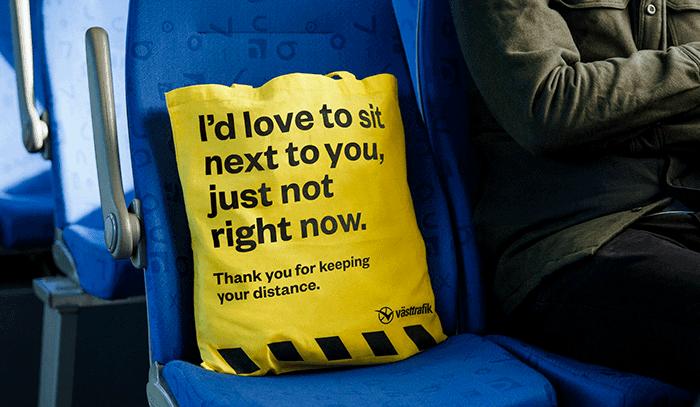 imagen mantener la distancia social Disenan en Suecia una bolsa para ayudar a pasajeros a mantener la distancia social en el transporte publico 3