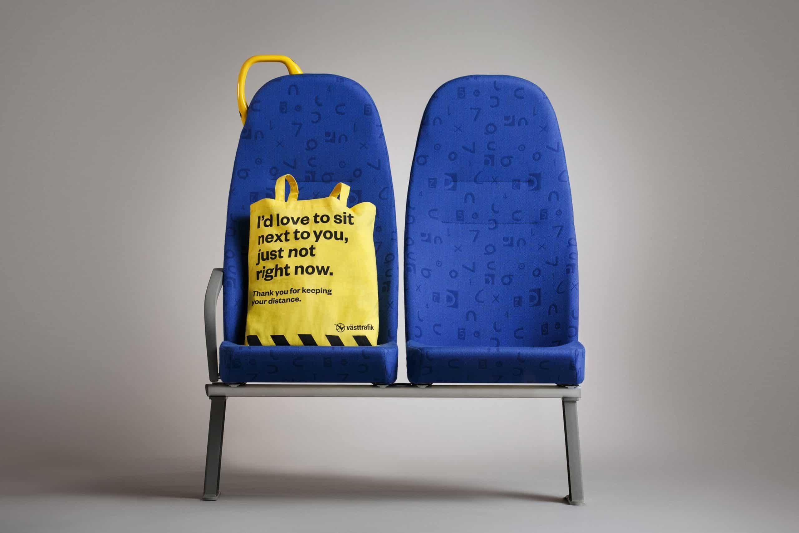 Diseñan en Suecia una bolsa para ayudar a pasajeros a mantener la distancia social en el transporte público 4