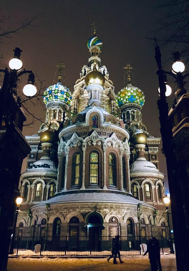 San Petersburgo en 48 horas san petersburgo iglesia del salvador sergio lobo unsplash