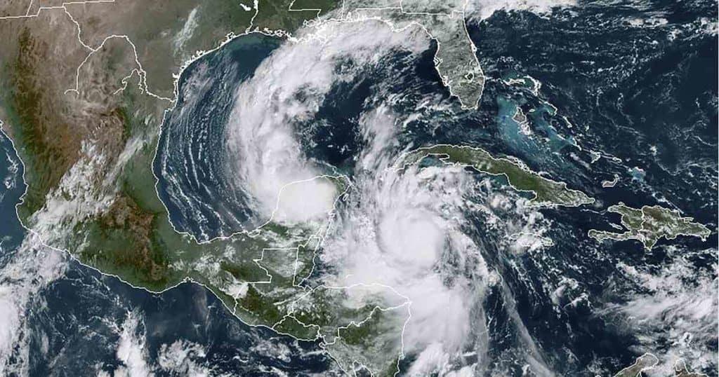 Alerta máxima en la Península de Yucatán ante el ingreso del huracán Delta