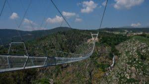Portugal: esperan poder inaugurar el puente peatonal más largo del mundo para finales de Octubre