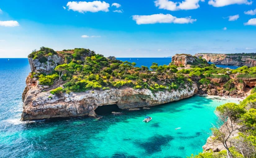 Establecen corredores seguros para Canarias y Baleares con el fin de reactivar el turismo