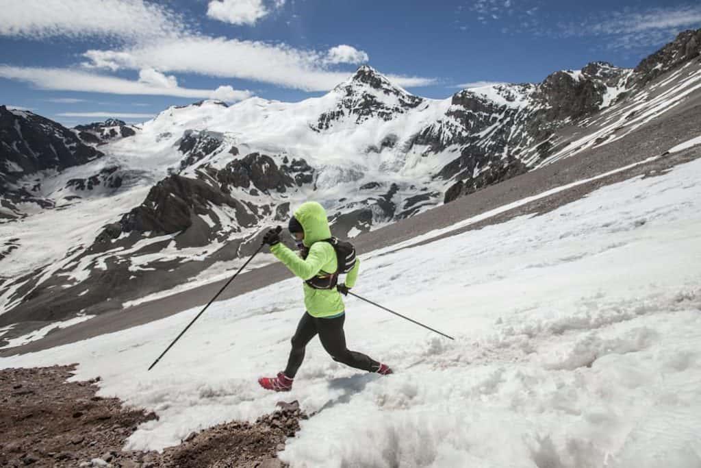 Una ultramaratonista brasileña logró dos míticos ascensos de montañas de los Alpes en un mismo día