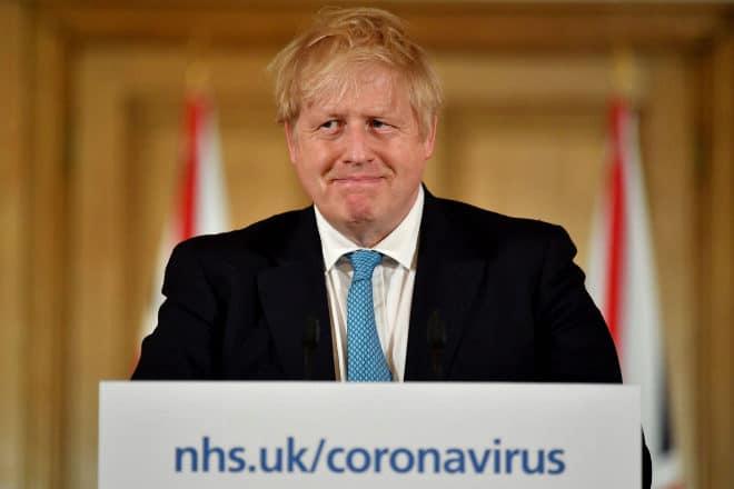 Inglaterra incorpora un sistema de categorías para implementar nuevas restricciones por COVID-19