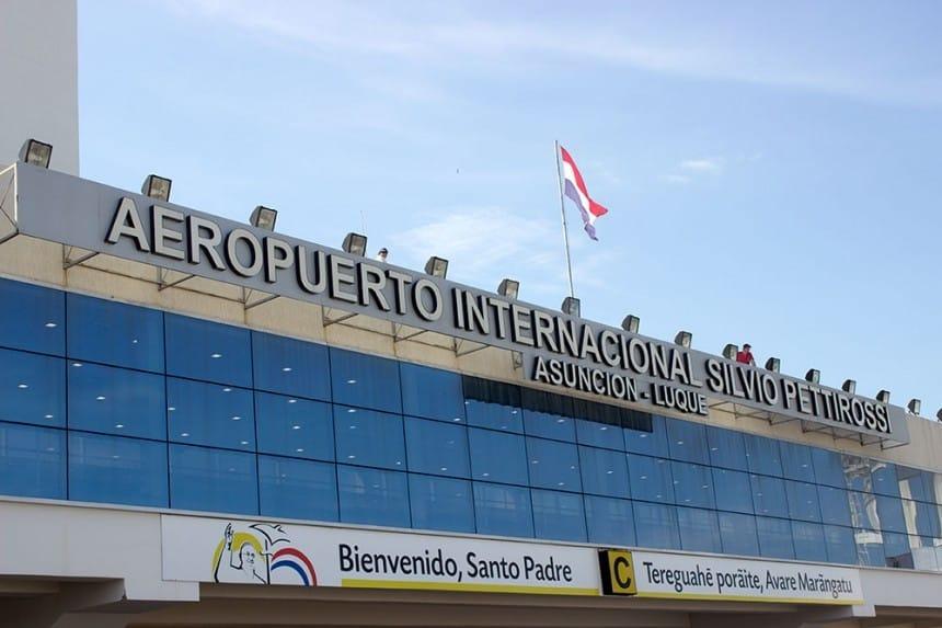 Paraguay reabre sus fronteras aéreas y habilita vuelos comerciales desde el 21 de octubre