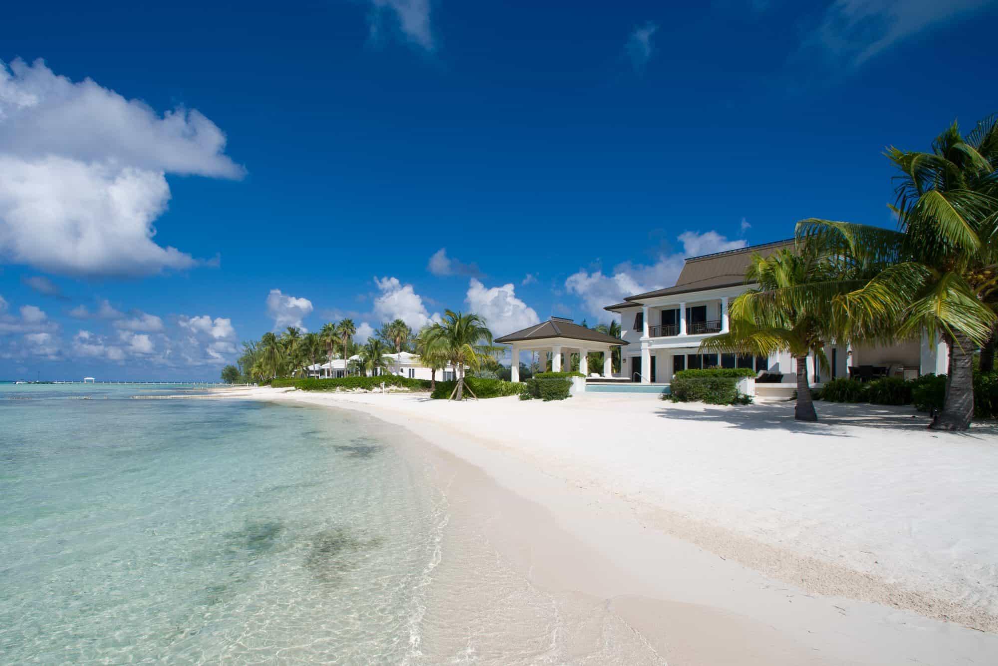 Islas Caimán tiene un programa que permite una estadía de hasta dos años para trabajar de forma remota