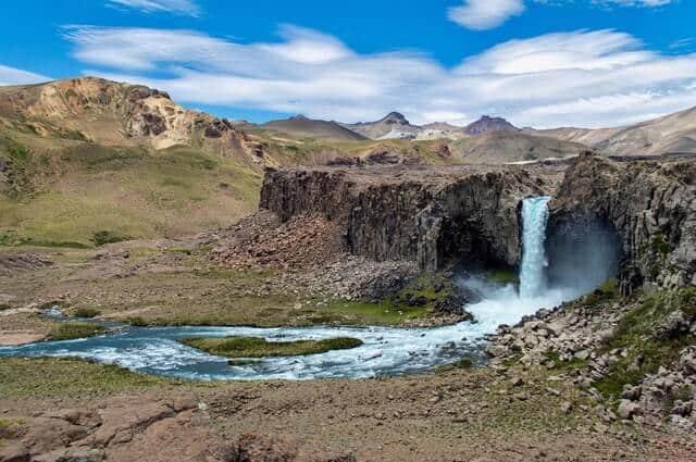 Imagen Cascada Invertida Pexels Maria Araneda 5649308 1 1