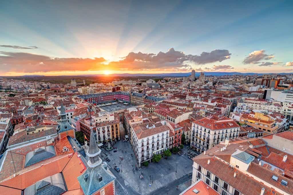 Imagen Viajar En 2021 Espana Decreta Estado De Alarma Toque De Queda Segunda Ola De Coronavirus 2 1
