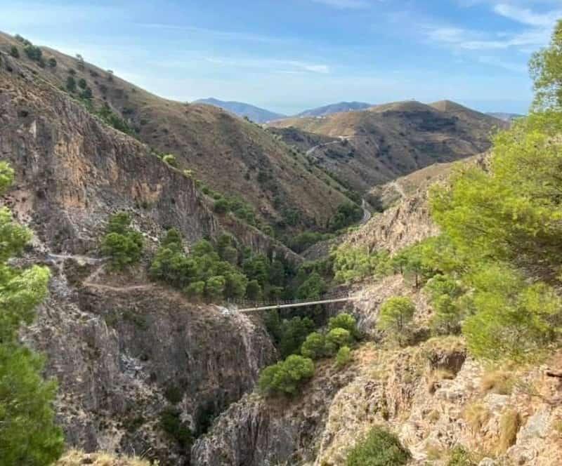 Málaga inaugura hoy uno de los puentes colgantes más grandes de España ubicado en un entorno natural