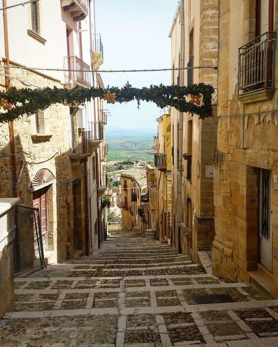 Un pueblo en Sicilia subastará casas antiguas a un precio inicial de un euro