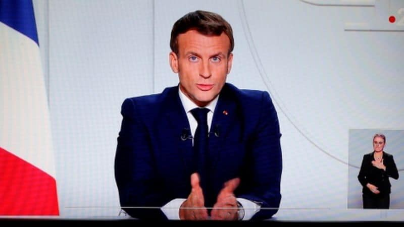 Emmanuel Macrón anuncia por televisión la disposición de un nuevo confinamiento en Francia a partir del jueves a la medianoche hasta el próximo 1° de diciembre.