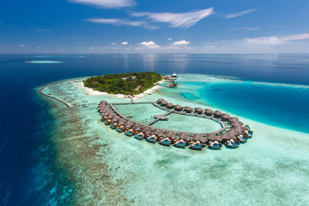 Maldivas: el resort Baros Maldives realizó un hermoso tributo para los héroes de la pandemia por COVID-19