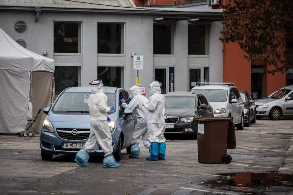 imagen Coronavirus en Eslovaquia Coronavirus en Eslovaquia el gobierno testea masivamente a la poblacion para evitar confinamiento y cierre de economia 4