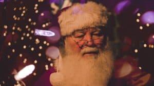 Una compañía de Canadá está contratando 'Santas Virtuales' para que hablen con los niños por videollamada