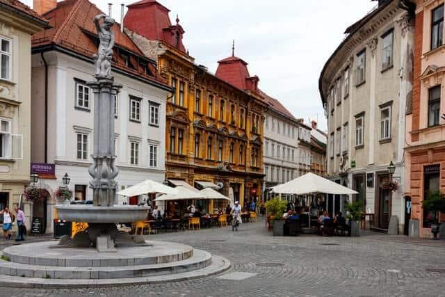 Gratis en Liubliana eugene kuznetsov It35Occ0TrA unsplash 1