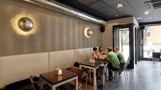 Clientes ayudaron a un bar en Bilbao dejando un sobre con dinero por todos los cafés que no podrán tomarse debido al COVID-19