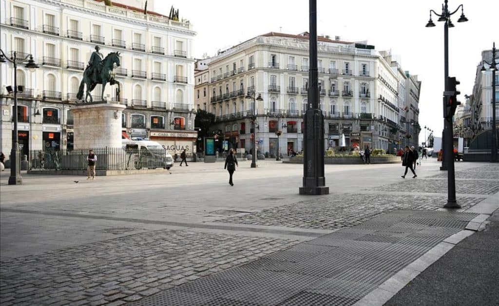 Madrid buscará realizar testeos masivos de COVID-19 gratuitos antes de la Navidad para controlar la expansión de la segunda ola