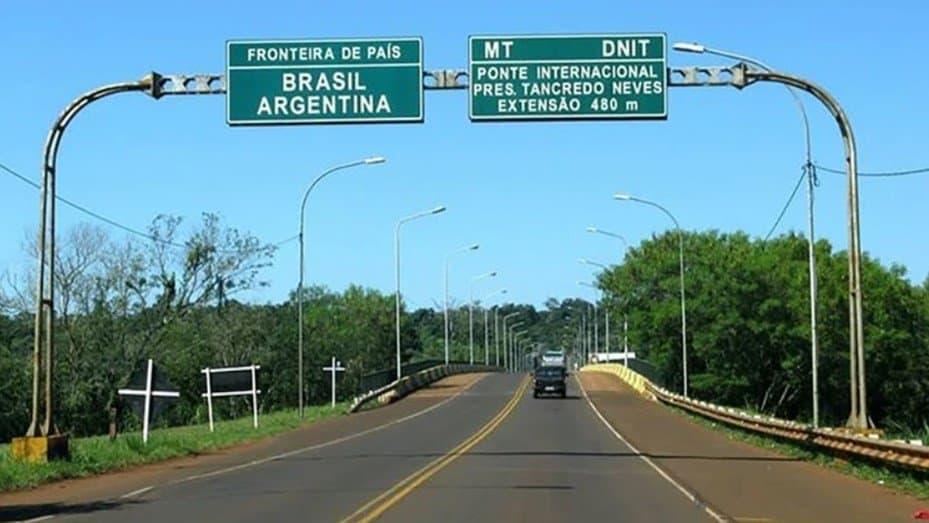 Brasil cierra sus fronteras a los extranjeros que viajen por medios terrestres o marítimos por los próximos treinta días